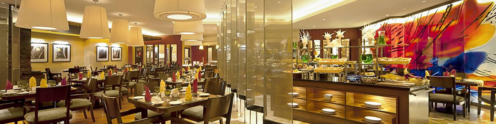 Dining at the Gulf Hotel Bahrain | Luxury 5-Star accomodation in