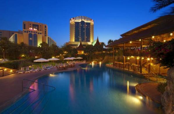 Gulf Hotel Bahrain - By Night